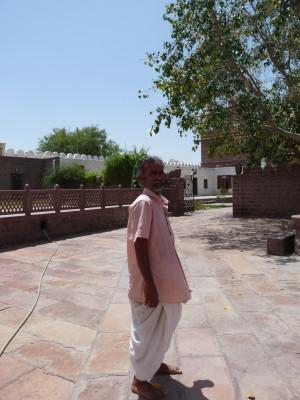 Gungar Baba der Priest