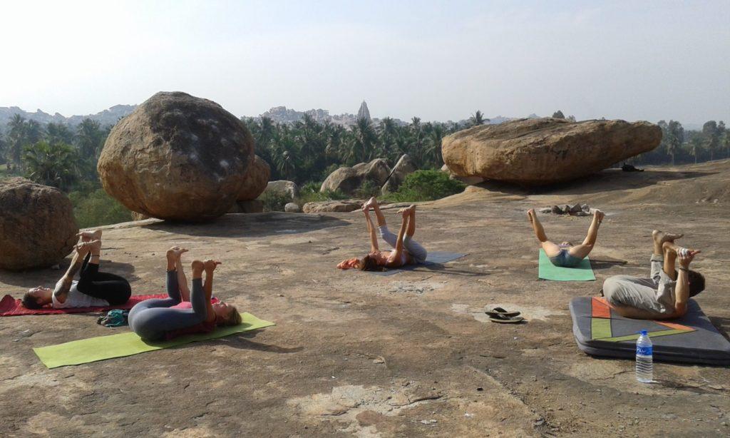 Chalo Reisen Indien Hampi Yoga